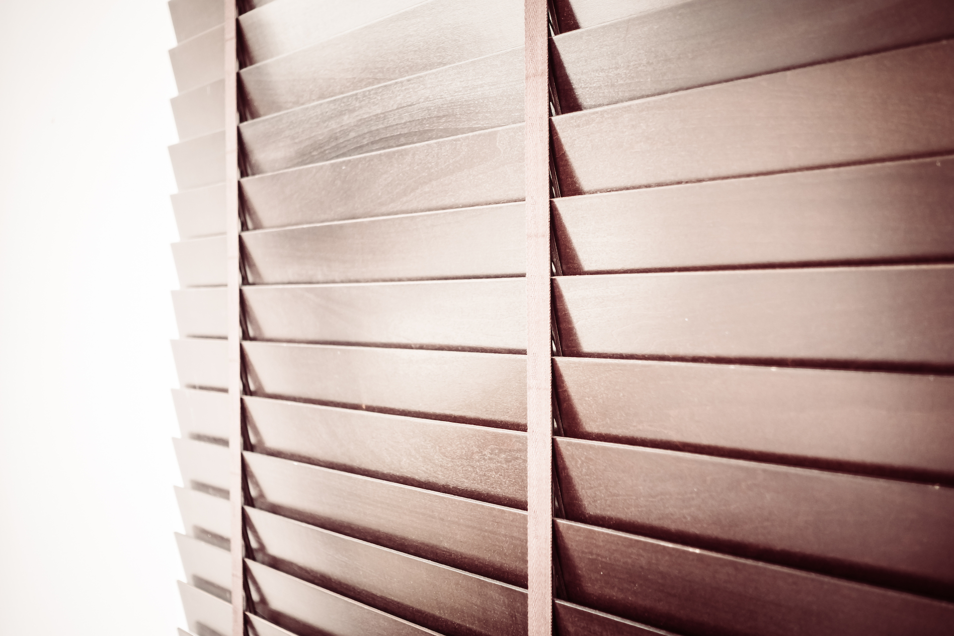 How to care for your wooden blinds during lockdown?