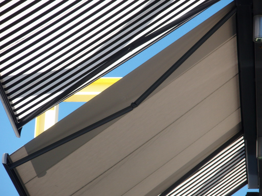 RB Blinds - Awnings
